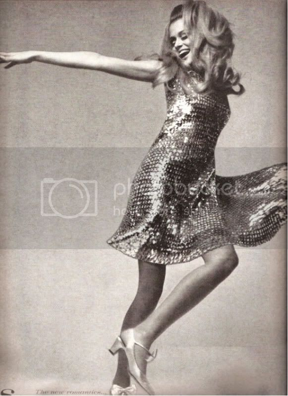 Vogue US August 1966 - Lauren Hutton by Richard Avedon @ Street Stylista